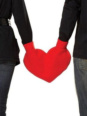heart mitten
