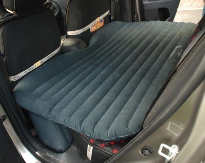 car_travel_inflatable_bed1