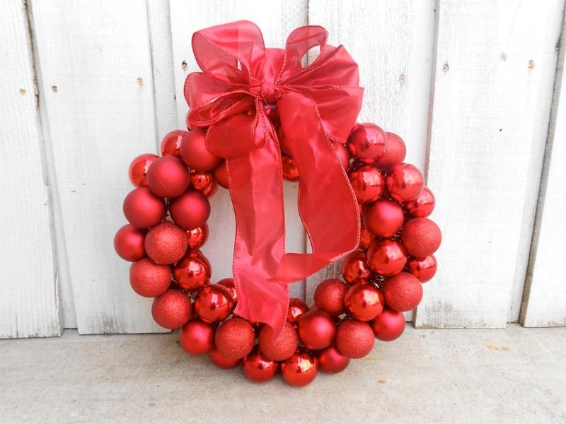 Popular On A Budget? 30 Dollar Store Christmas Decor Ideas • AwesomeJelly.com YP21