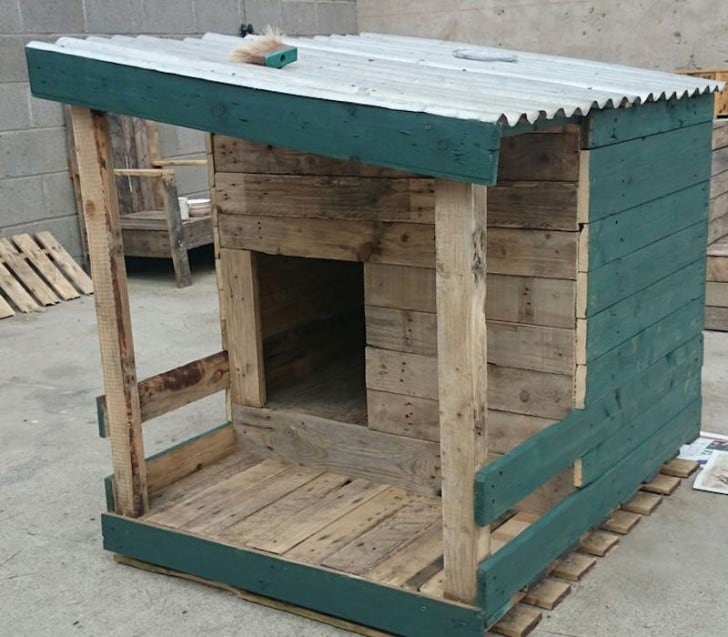 20 DIY Pallet Shelter Designs That Will Have You Living ...