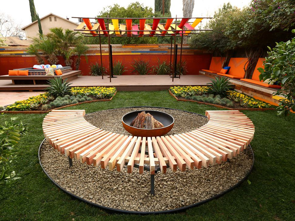 Give Your Backyard A Quick Makeover With These Top 10 DIY Backyard Quick Backyard Ideas on texas landscaping ideas, gardening ideas, fire pit ideas, stepping stone ideas, camping ideas, balcony ideas, frontyard ideas, yard ideas, hammock ideas, deck ideas, outdoor ideas, courtyard ideas, patio ideas, fireplace ideas, hot tub ideas, fence ideas, landscape design ideas, bbq ideas, pool ideas, shed ideas,