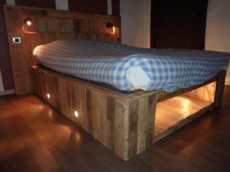 Making this illuminated pallet bed is as easy as 1 2 3 for Make your own bed frame ideas