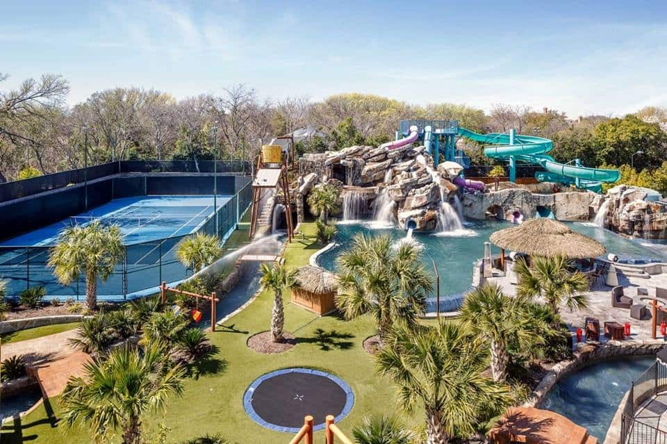 Nevada Mansion Backyard Water Park : This $32 Million Dollar House In Texas Has The Coolest Backyard EVER