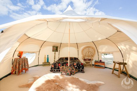 One of the best features of this tent is its size. It is large enough to host a party or hold a yoga class. As you can see above you can even ... & This Epic Luxury Lotus Tent Fits Into Duffle Bag! u2022 AwesomeJelly.com