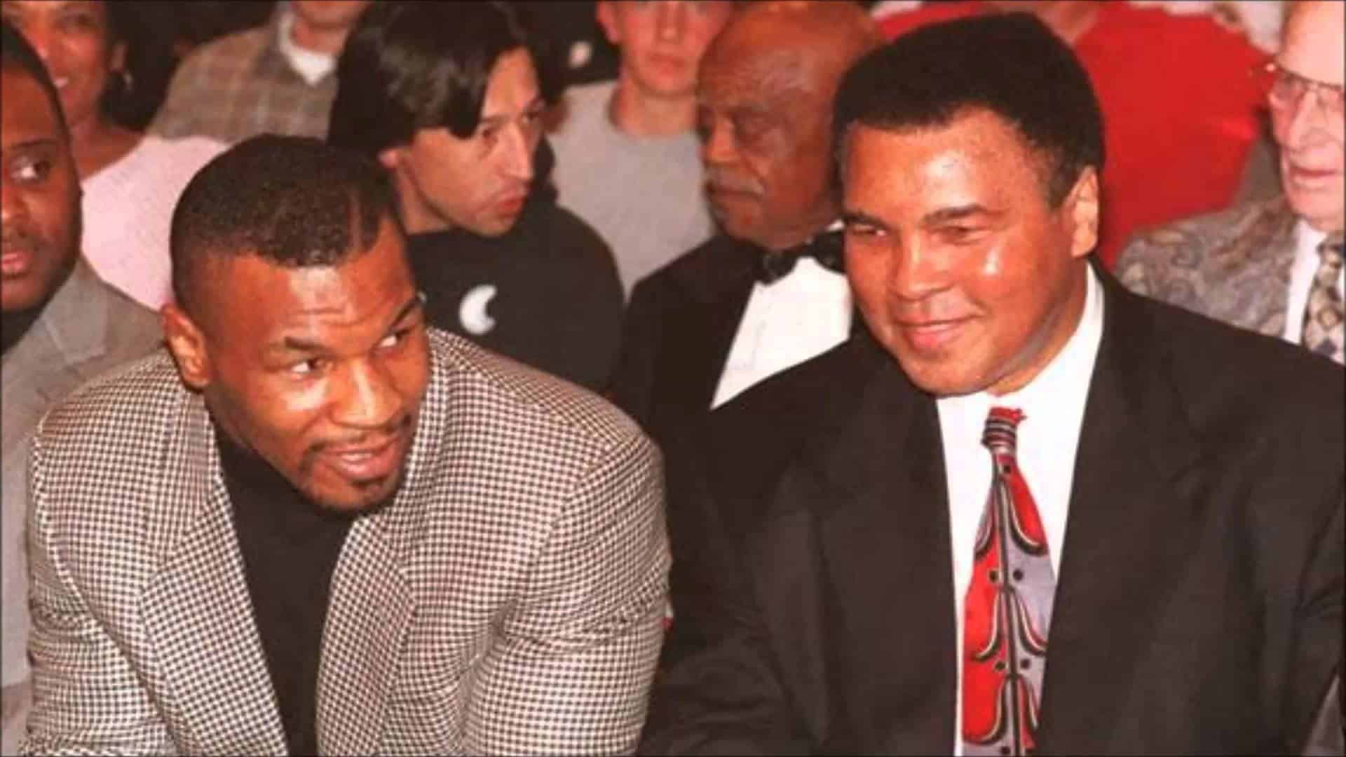 """TIL that the morning after Muhammad Ali lost in a fight against Larry Holmes, a 14 year old Mike Tyson promised him that when he """"got big"""" he would take down Larry Holmes for him. 6 years later, Tyson fought against Larry Holmes and won."""