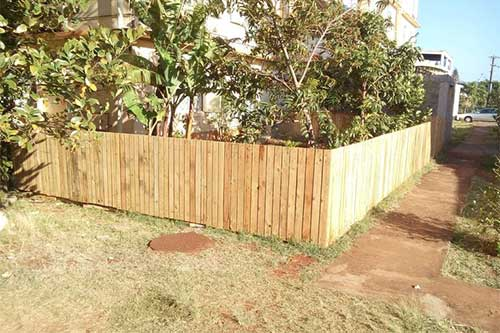 how to make a fence with pallet slats