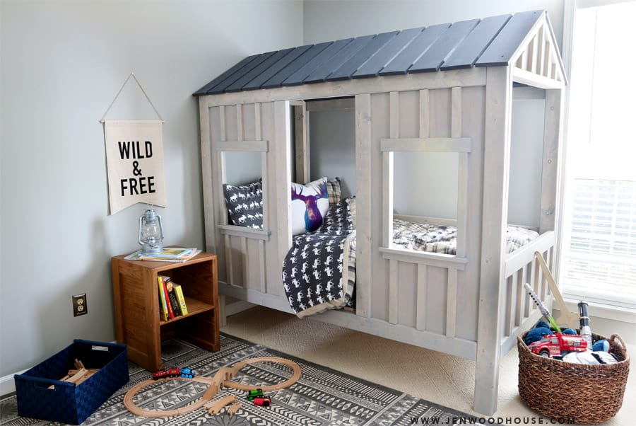 This cabin bed is every kids dream and here is how you can make it diy cabin bed solutioingenieria Gallery