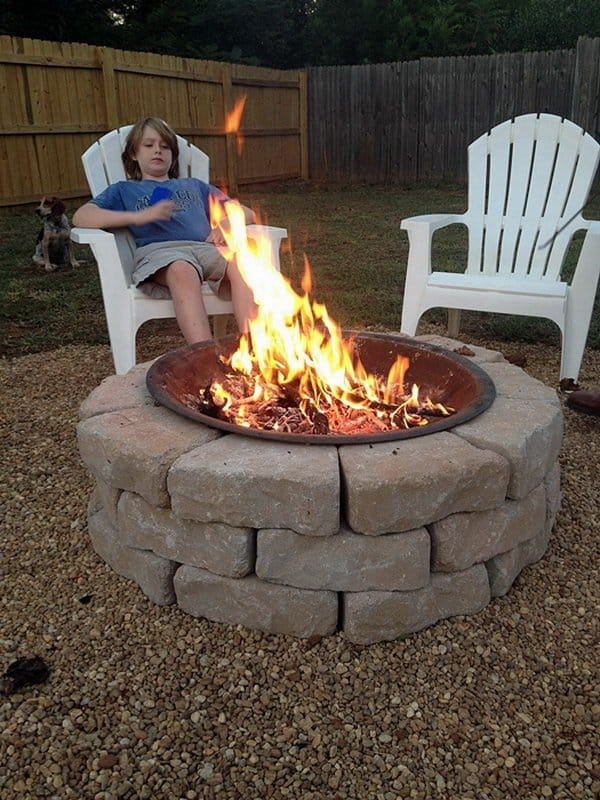 35 DIY Fire Pit Ideas Perfect For Your Backyard! • AwesomeJelly.com