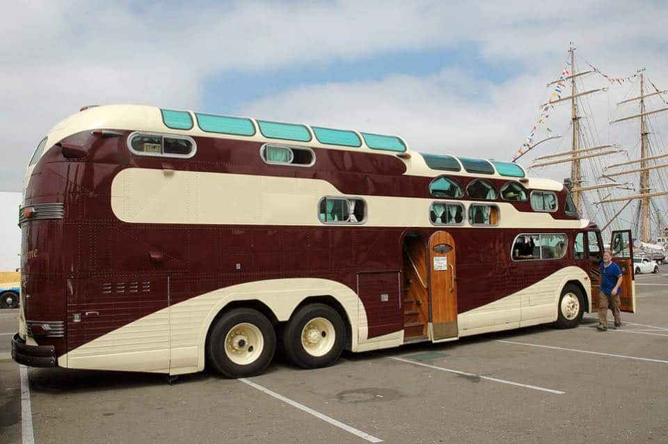 Gmc Motorhome Parts >> Two Buses Are Merged Together To Create One Incredibly Awesome 'Peacemaker' Camper ...