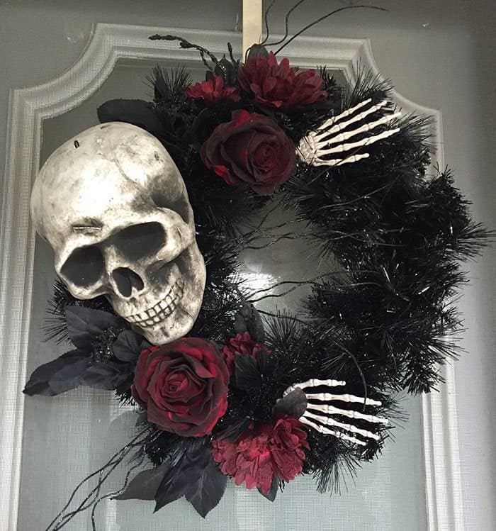 Halloween Wreaths Are A Creepy Cool Addiction To Your