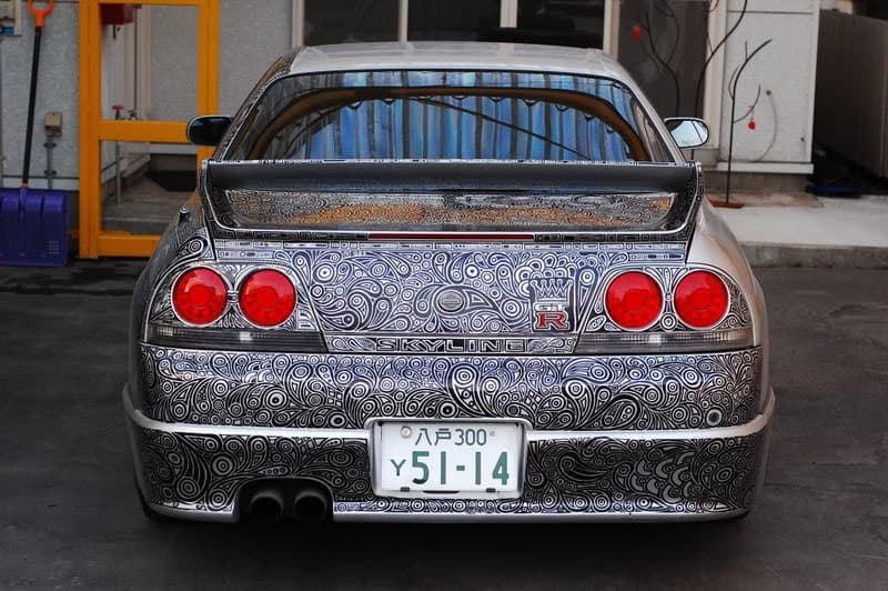 Guy Lets His Wife Doodle With A Sharpie Pen On His Nissan Skyline - Artist wife doodles husbands car