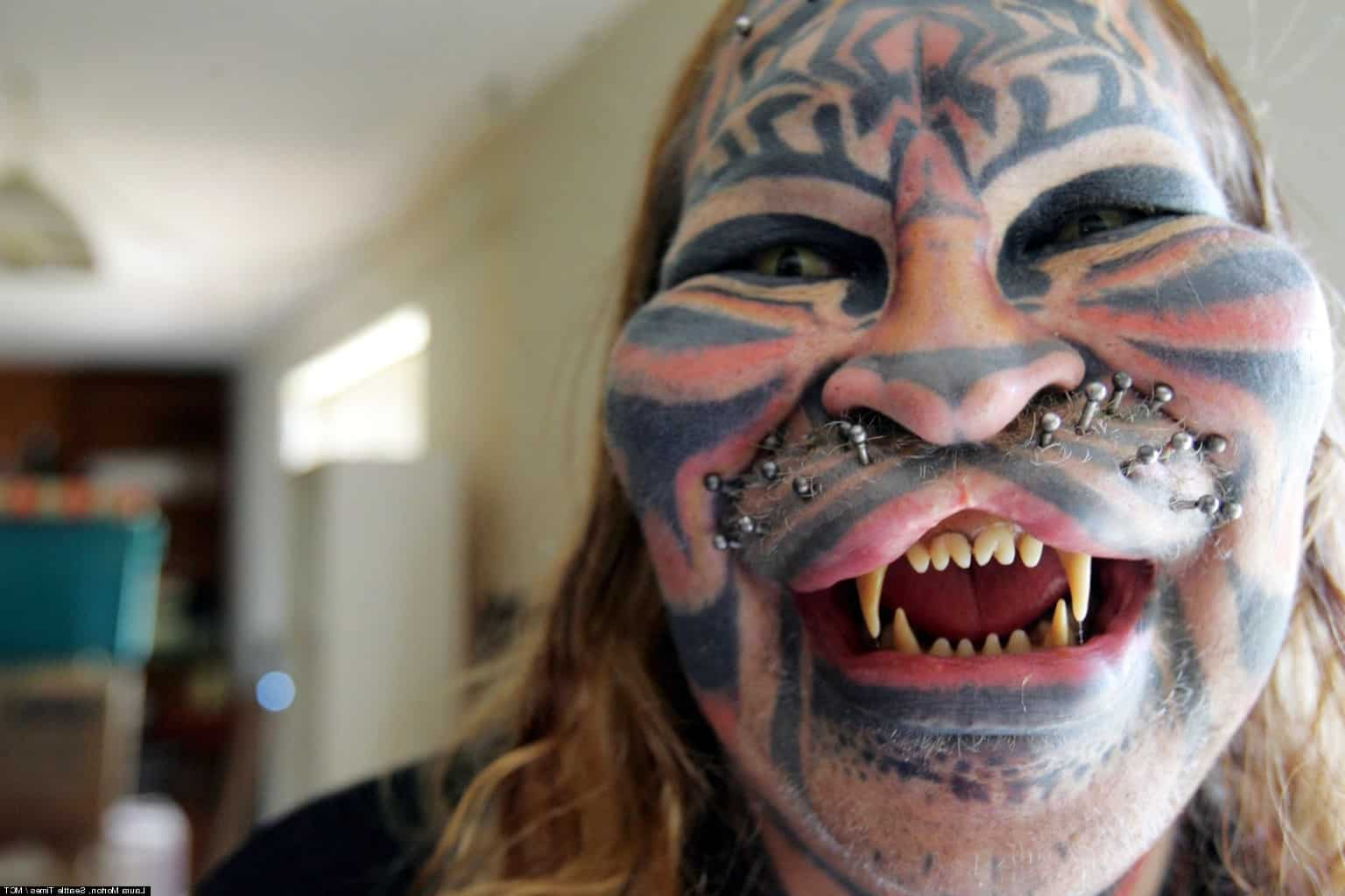 Самая большая в мире татуировка 70