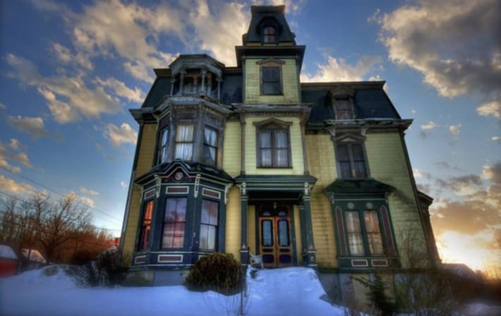 This Stunningly Creepy 1875 Victorian Mansion Is One Of ...