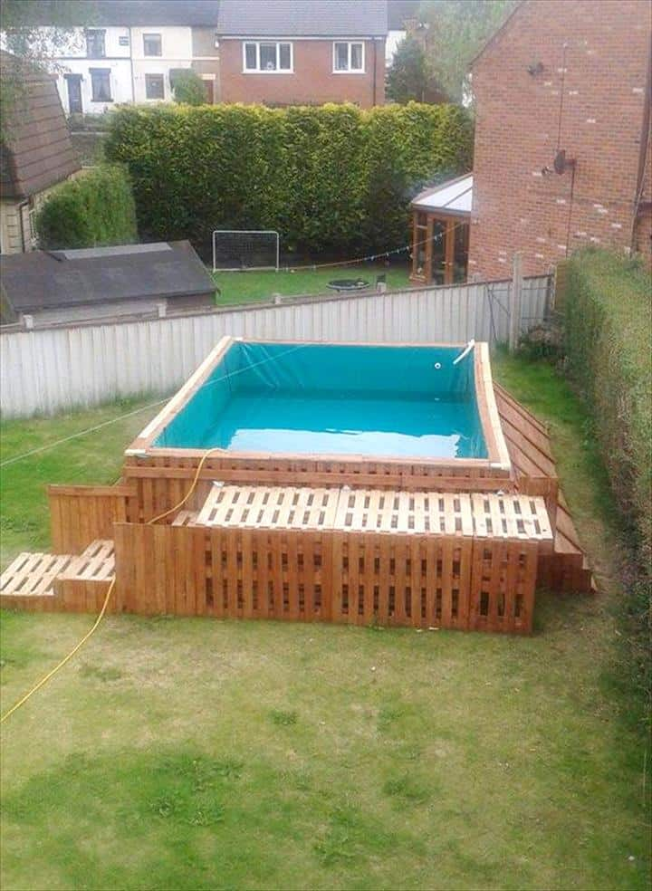 how to build the coolest looking 39 pallet swimming pool 39 ever using only 40 pallets. Black Bedroom Furniture Sets. Home Design Ideas