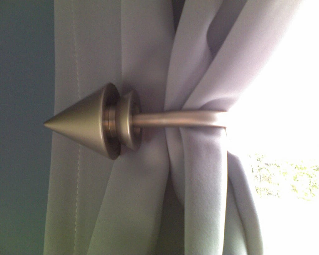 curtain holdbacks.jpg