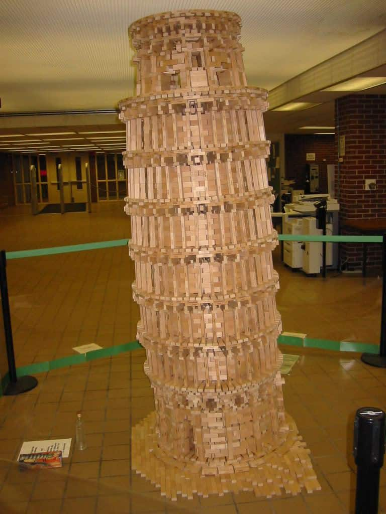 leaning tower of pisa Jenga