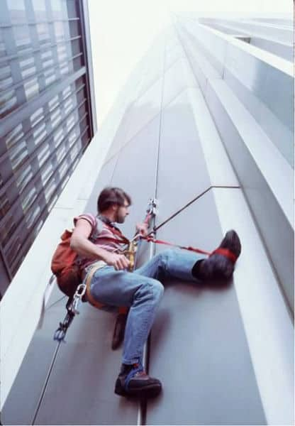 human fly world trade center climber