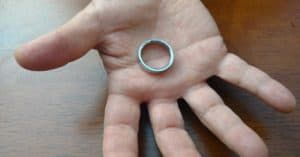 vanishing ring magic trick