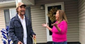 Matthew McConaughey donates turkeys