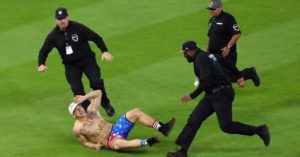 vitaly streaking world series