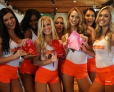 Hooter's Valentine's Day Promotion