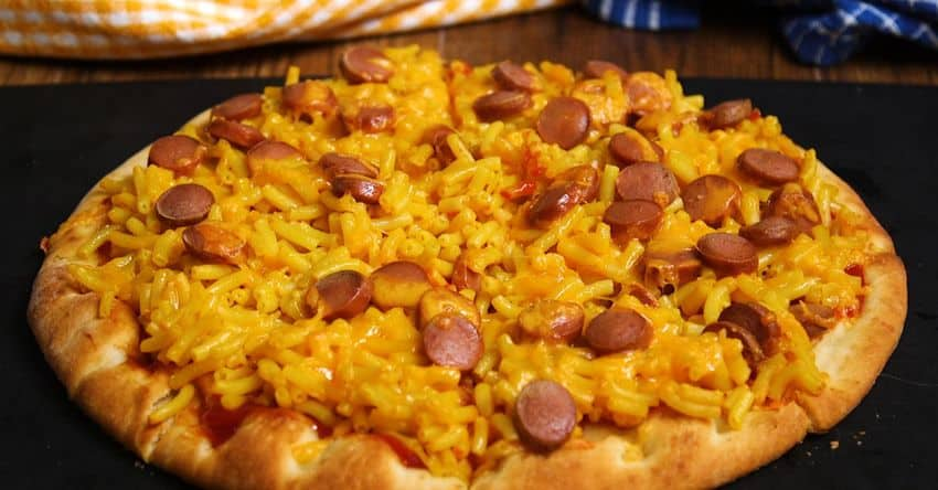 hot dog mac n cheese pizza recipe