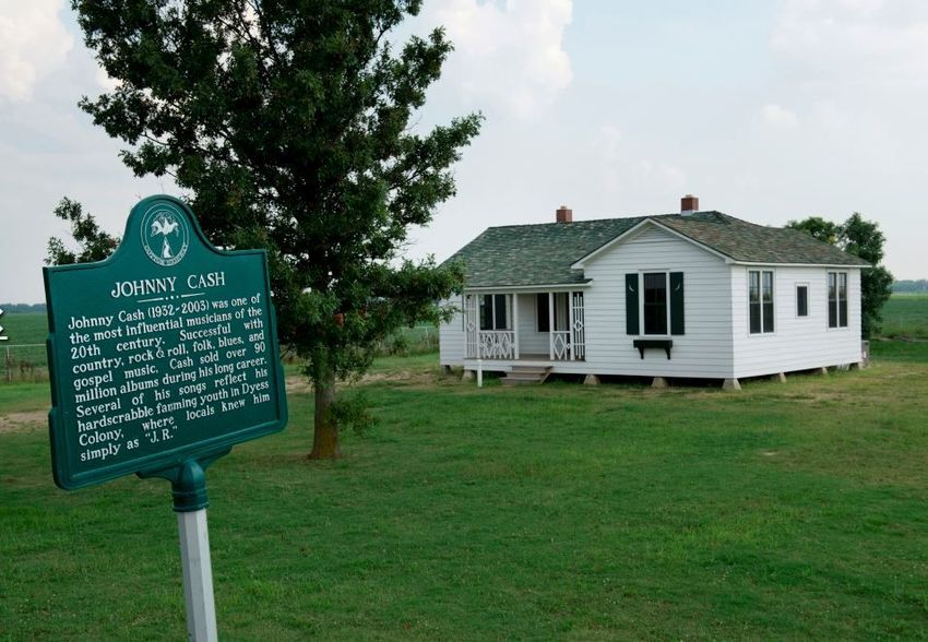 johnny cash childhood home